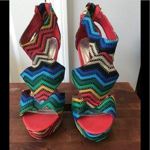 Women's heels multi color size 7